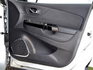 Renault Captur 1.2T Dynamique EDC 5-Door - Image 27