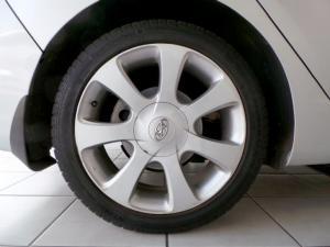 Hyundai Elantra 1.8 GLS - Image 10