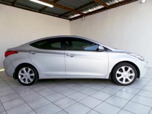 Hyundai Elantra 1.8 GLS - Image 2
