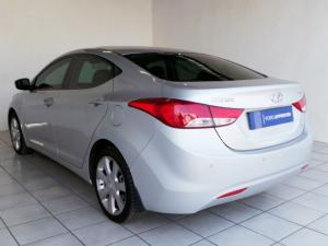 Hyundai Elantra 1.8 GLS - Image 4