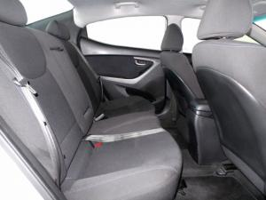 Hyundai Elantra 1.8 GLS - Image 5