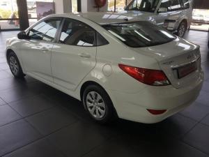 Hyundai Accent 1.6 GLS/FLUID automatic - Image 6