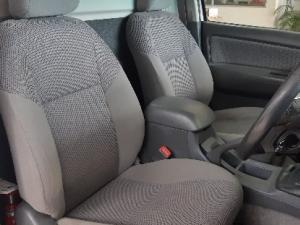 Toyota Hilux 3.0D-4D 4x4 Raider - Image 8