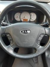 Kia Carens 2.0 automatic - Image 2