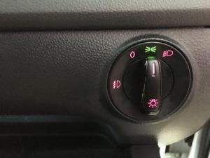 Volkswagen Polo Vivo sedan 1.6 Comfortline - Image 15