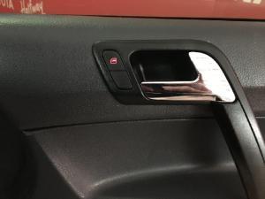 Volkswagen Polo Vivo sedan 1.6 Comfortline - Image 16