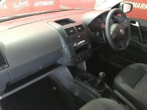 Volkswagen Polo Vivo sedan 1.6 Comfortline - Image 7