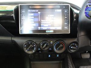 Toyota Hilux 2.8GD-6 4x4 Raider auto - Image 10
