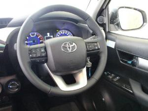 Toyota Hilux 2.8GD-6 4x4 Raider auto - Image 9
