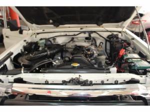 Toyota Land Cruiser 79 4.2DS/C - Image 14