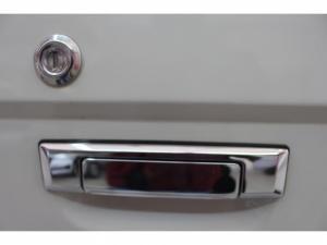 Toyota Land Cruiser 79 4.2DS/C - Image 4