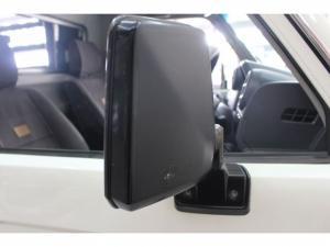 Toyota Land Cruiser 79 4.2DS/C - Image 6