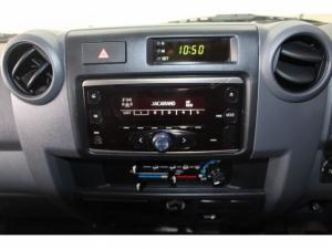 Toyota Land Cruiser 79 4.2DS/C - Image 9