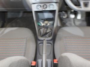 Volkswagen Polo Vivo 1.4 Trendline - Image 17