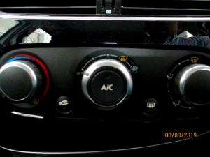 Renault Clio IV 900 T Dynamique 5-Door - Image 23