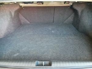Honda Civic sedan 1.8 LXi automatic - Image 7