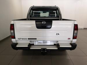 Nissan NP300 Hardbody 2.5TDi double cab Hi-rider - Image 4