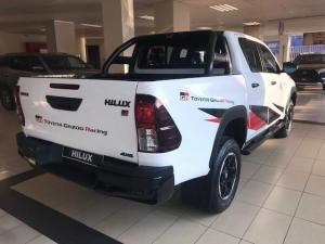 Toyota Hilux 2.8 GD-6 GR-S 4X4 automaticD/C - Image 4