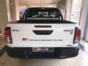 Toyota Hilux 2.8 GD-6 GR-S 4X4 automaticD/C - Image 6