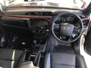 Toyota Hilux 2.8 GD-6 GR-S 4X4 automaticD/C - Image 8