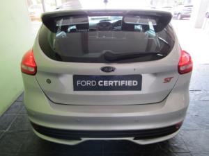 Ford Focus 2.0 Ecoboost ST1 - Image 10