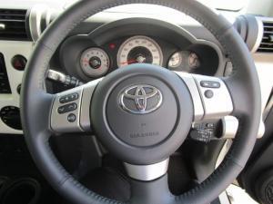 Toyota L/CRUISER FJ 4.0 V6 Cruiser - Image 5