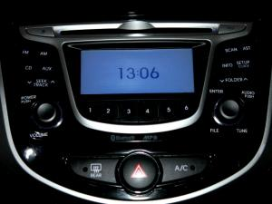 Hyundai Accent 1.6 Fluid automatic 5-Door - Image 21