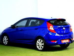 Hyundai Accent 1.6 Fluid automatic 5-Door - Image 3