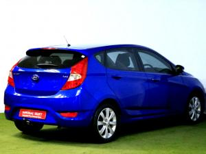 Hyundai Accent 1.6 Fluid automatic 5-Door - Image 4