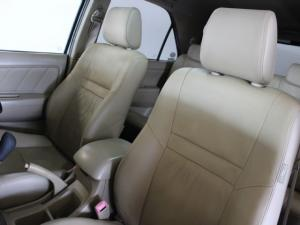 Toyota Fortuner 3.0D-4D 4x4 - Image 6