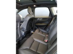 Volvo XC60 D5 R-Design - Image 8
