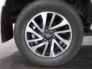 Nissan Navara 2.3D double cab 4x4 LE auto - Image 8