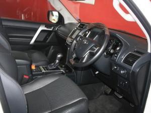 Toyota Prado VX 3.0D automatic - Image 11