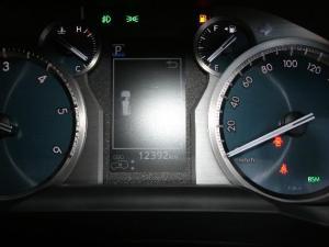 Toyota Prado VX 3.0D automatic - Image 12