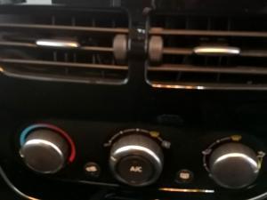 Renault Clio IV 900T Blaze LTD Edition 5-Door - Image 25