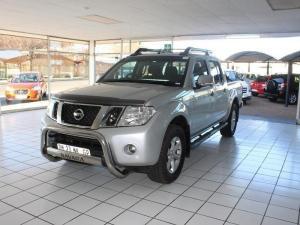 Nissan Navara 2 5 dCi LE 4X4 automaticD/C