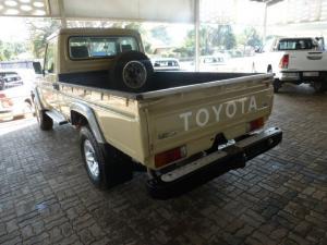 Toyota Land Cruiser 79 Land Cruiser 79 4.5D-4D LX V8 - Image 10