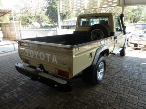 Toyota Land Cruiser 79 Land Cruiser 79 4.5D-4D LX V8 - Image 9