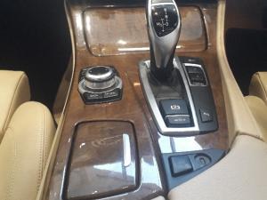 BMW 528i automatic - Image 1
