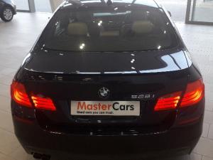 BMW 528i automatic - Image 5