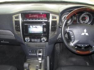 Mitsubishi Pajero 3.2 Di - Dc GLS automatic - Image 17