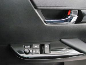Toyota Hilux 2.8 GD-6 Raider 4X4S/C - Image 11