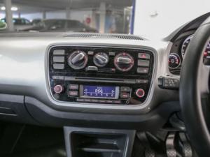 Volkswagen Move UP! 1.0 3-Door - Image 2