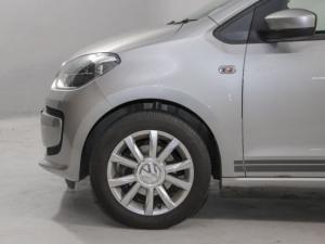Volkswagen Move UP! 1.0 3-Door - Image 3