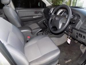 Toyota Hilux 2.5D-4D SRX 4X4D/C - Image 12