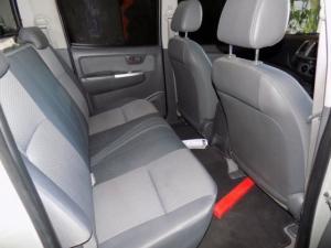 Toyota Hilux 2.5D-4D SRX 4X4D/C - Image 3