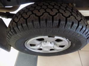 Toyota Hilux 2.5D-4D SRX 4X4D/C - Image 4