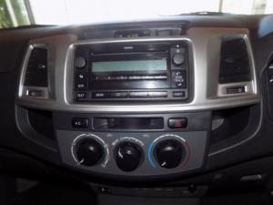 Toyota Hilux 2.5D-4D SRX 4X4D/C - Image 5