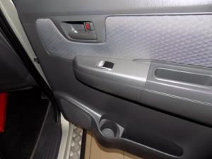 Toyota Hilux 2.5D-4D SRX 4X4D/C - Image 9