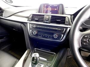 BMW 320i Luxury Line automatic - Image 17